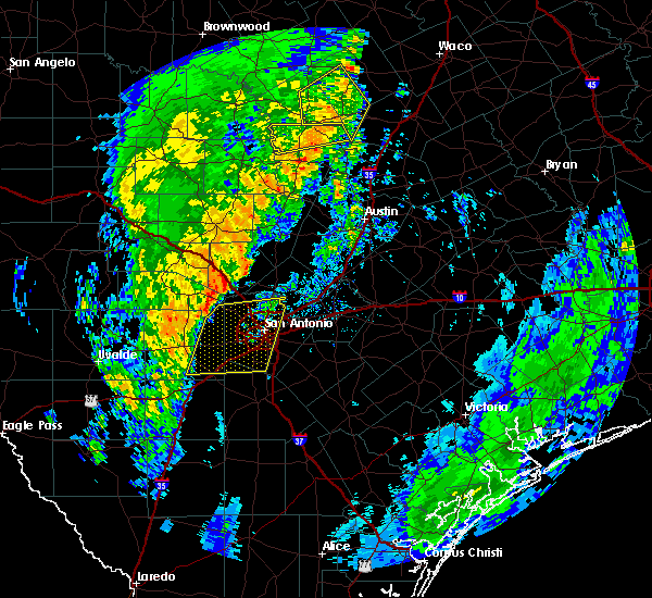 Radar Image for Severe Thunderstorms near Alamo Heights, TX at 12/13/2015 1:15 AM CST