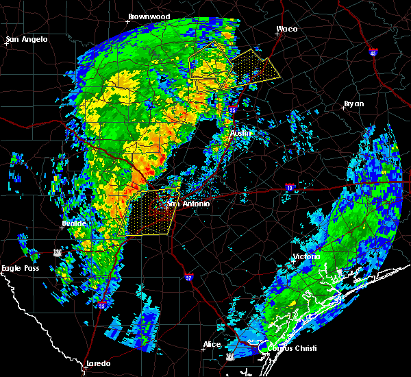 Radar Image for Severe Thunderstorms near Lakehills, TX at 12/13/2015 1:26 AM CST