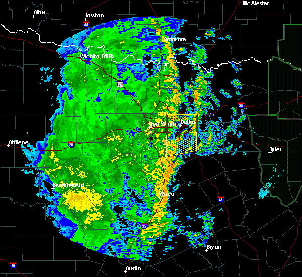 Radar Image for Severe Thunderstorms near Dallas, TX at 12/13/2015 2:37 AM CST