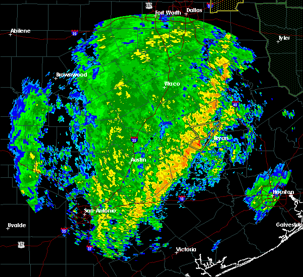 Radar Image for Severe Thunderstorms near Lake Bryan, TX at 12/13/2015 4:01 AM CST