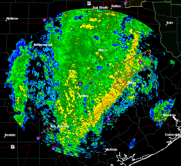 Radar Image for Severe Thunderstorms near Normangee, TX at 12/13/2015 4:13 AM CST