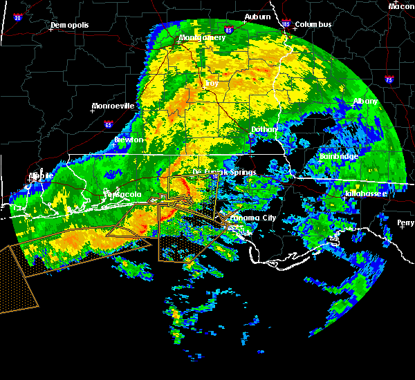 Radar Image for Severe Thunderstorms near Ponce de Leon, FL at 12/22/2015 1:37 AM CST