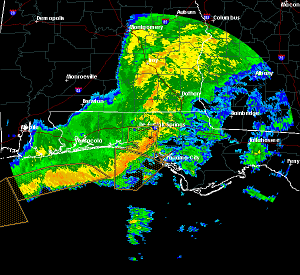 Radar Image for Severe Thunderstorms near Ponce de Leon, FL at 12/22/2015 2:13 AM CST
