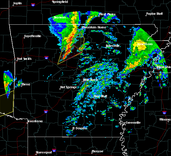 Radar Image for Severe Thunderstorms near Clinton, AR at 12/23/2015 5:46 AM CST