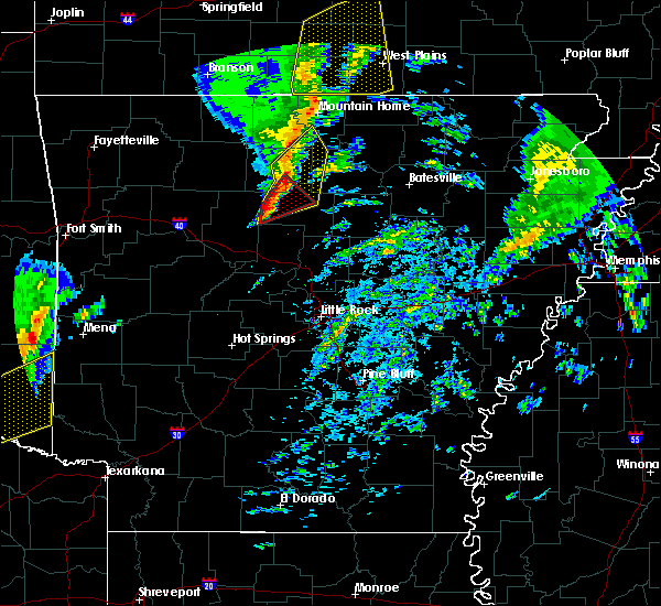 Radar Image for Severe Thunderstorms near Dennard, AR at 12/23/2015 5:58 AM CST