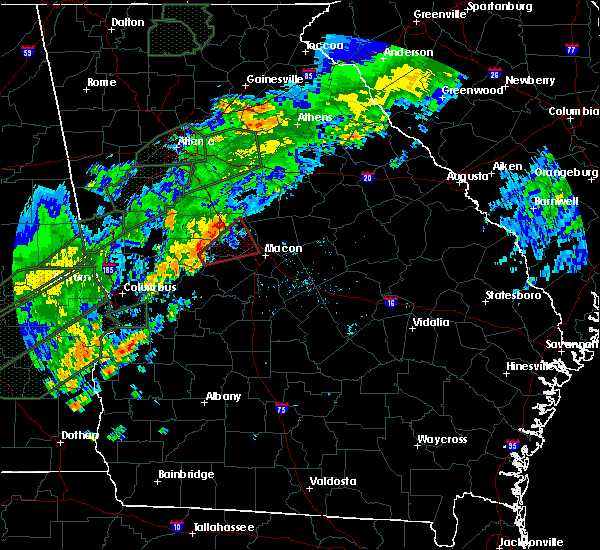 Radar Image for Severe Thunderstorms near Macon, GA at 12/24/2015 1:32 PM EST