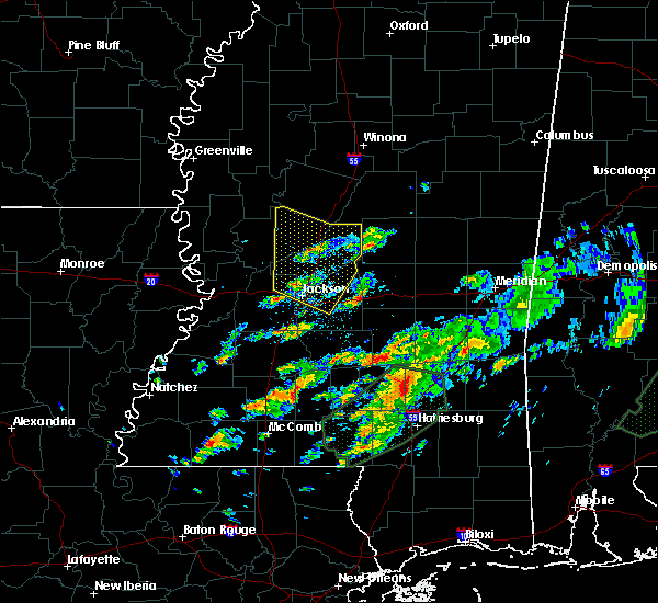 Radar Image for Severe Thunderstorms near New Hebron, MS at 12/24/2015 5:31 PM CST