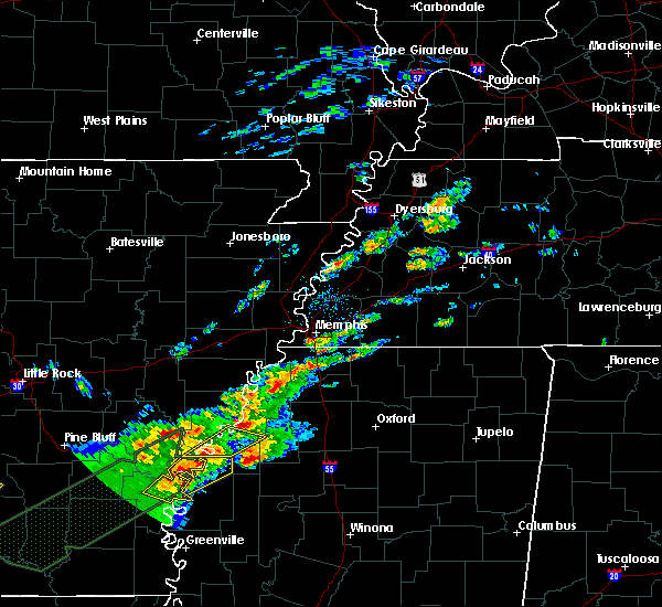 Radar Image for Severe Thunderstorms near Clarksdale, MS at 12/25/2015 1:10 AM CST