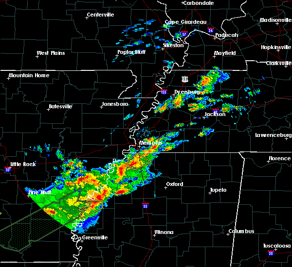 Radar Image for Severe Thunderstorms near Hernando, MS at 12/25/2015 1:31 AM CST