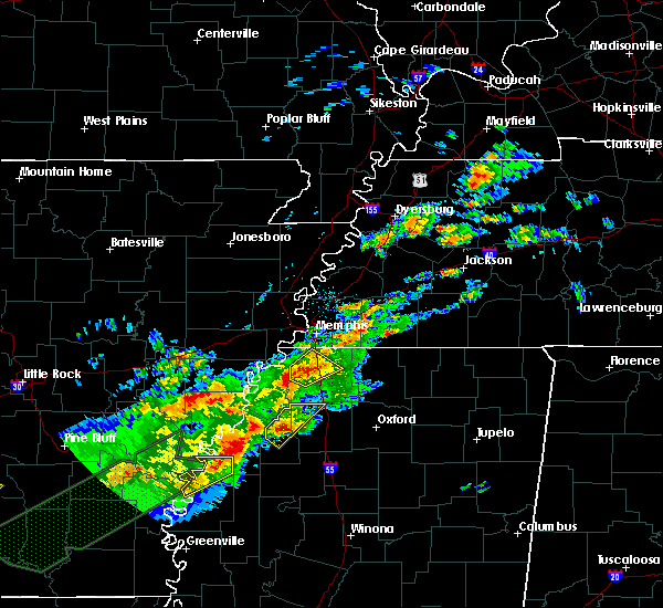 Radar Image for Severe Thunderstorms near Hernando, MS at 12/25/2015 1:43 AM CST