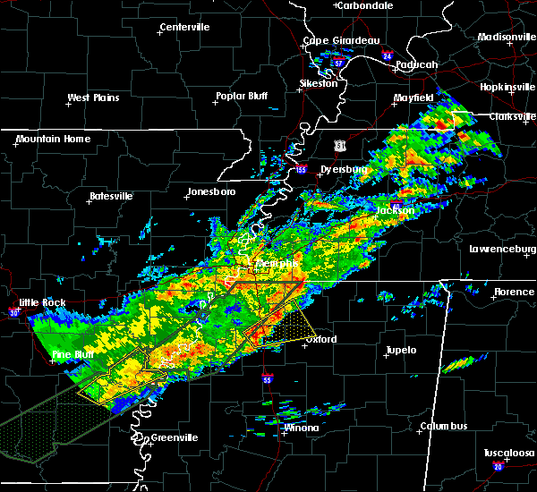 Radar Image for Severe Thunderstorms near Senatobia, MS at 12/25/2015 2:38 AM CST
