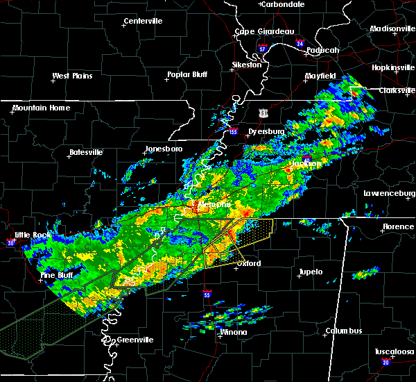 Radar Image for Severe Thunderstorms near Senatobia, MS at 12/25/2015 2:56 AM CST
