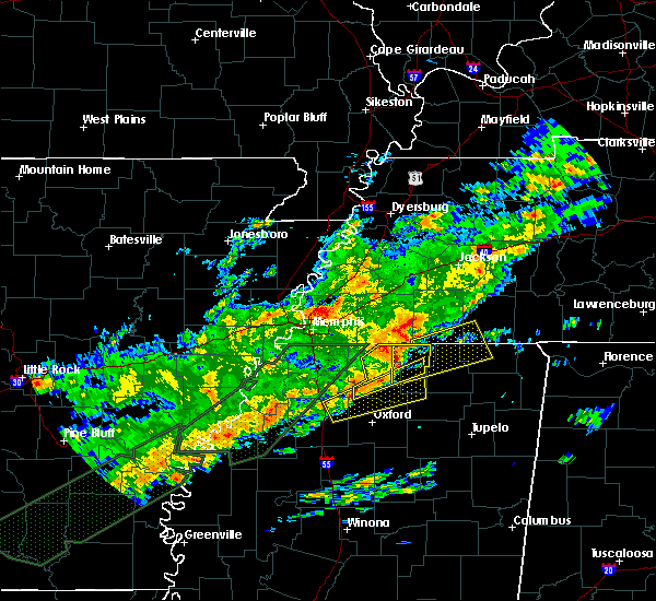 Radar Image for Severe Thunderstorms near Middleton, TN at 12/25/2015 3:10 AM CST