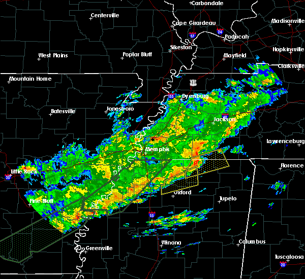 Radar Image for Severe Thunderstorms near Middleton, TN at 12/25/2015 3:24 AM CST