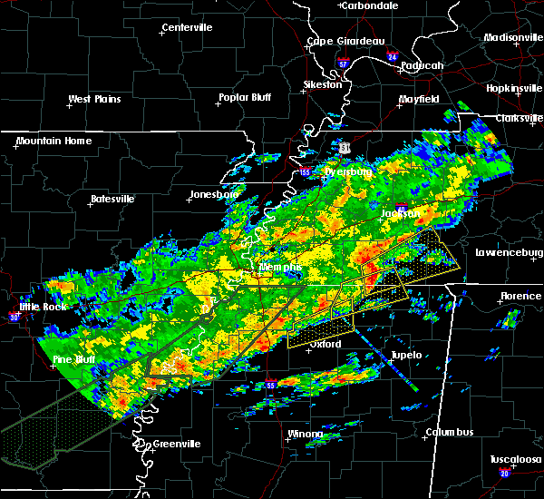 Radar Image for Severe Thunderstorms near Middleton, TN at 12/25/2015 3:37 AM CST
