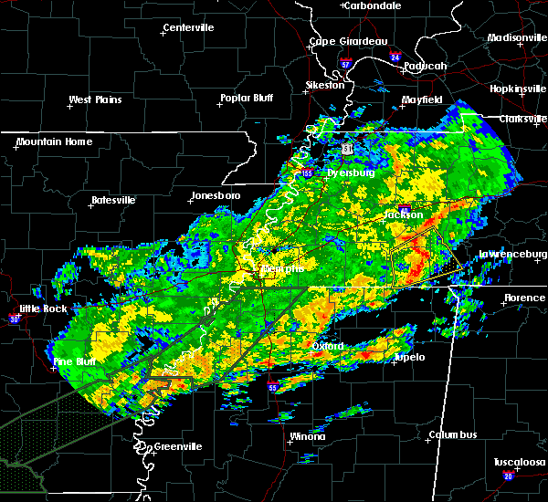 Radar Image for Severe Thunderstorms near Clifton, TN at 12/25/2015 4:12 AM CST