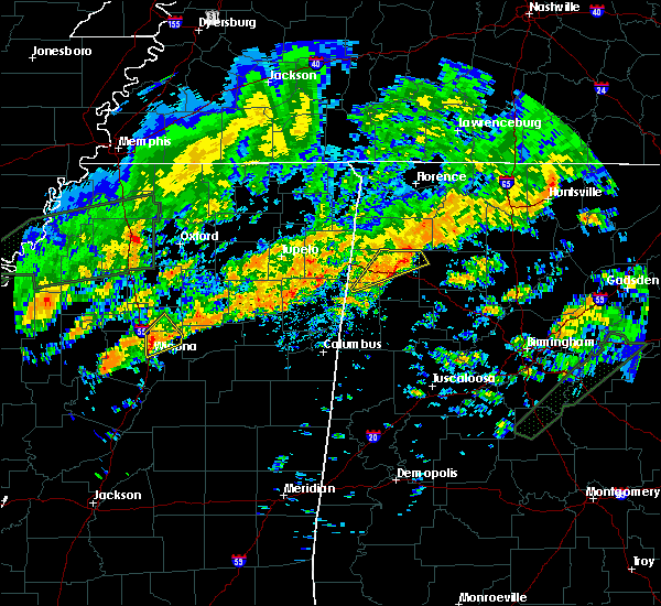 Radar Image for Severe Thunderstorms near Winona, MS at 12/25/2015 8:20 AM CST