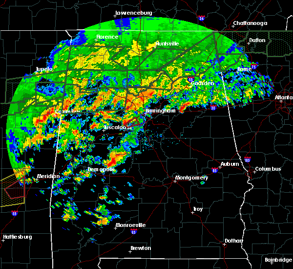 Radar Image for Severe Thunderstorms near Birmingham, AL at 12/25/2015 4:28 PM CST