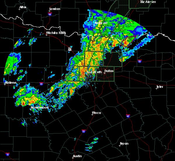 Radar Image for Severe Thunderstorms near Bonham, TX at 12/26/2015 8:18 PM CST