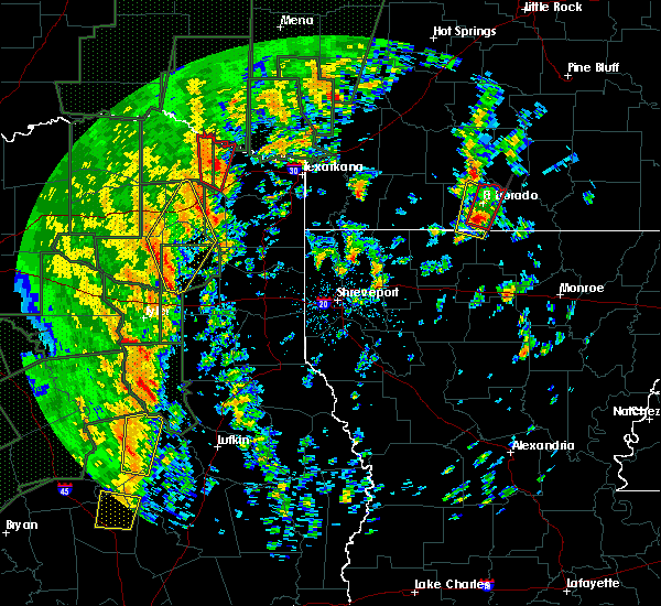Radar Image for Severe Thunderstorms near Calion, AR at 12/27/2015 3:16 PM CST