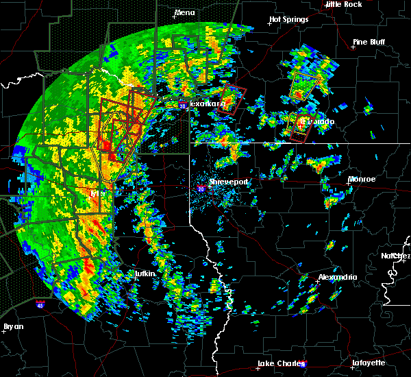 Radar Image for Severe Thunderstorms near Calion, AR at 12/27/2015 3:36 PM CST