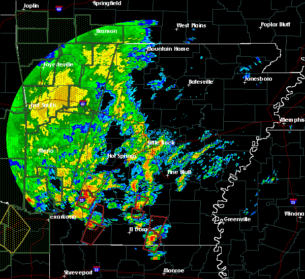 Radar Image for Severe Thunderstorms near Fordyce, AR at 12/27/2015 4:31 PM CST