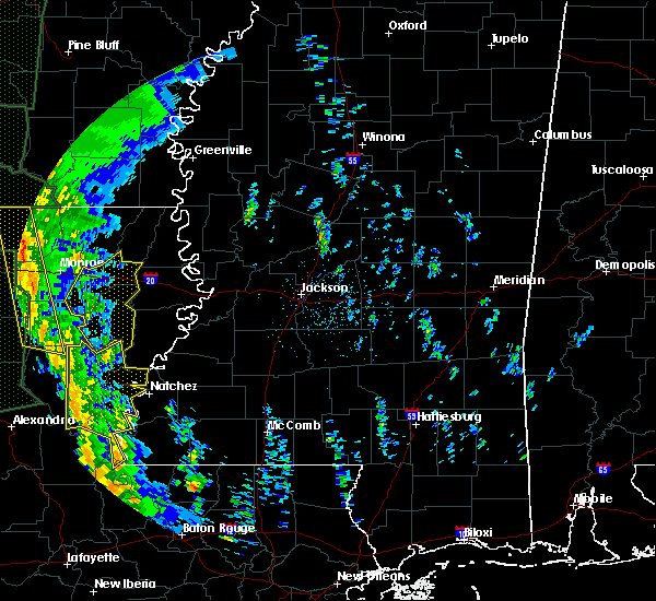 Radar Image for Severe Thunderstorms near Mangham, LA at 12/28/2015 1:27 AM CST