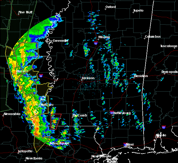 Radar Image for Severe Thunderstorms near Natchez, MS at 12/28/2015 1:48 AM CST