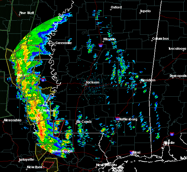 Radar Image for Severe Thunderstorms near Natchez, MS at 12/28/2015 2:02 AM CST