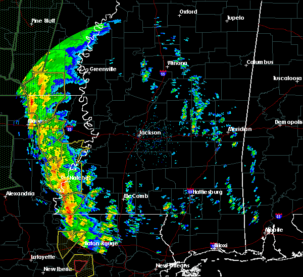 Radar Image for Severe Thunderstorms near Mangham, LA at 12/28/2015 2:04 AM CST