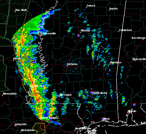 Radar Image for Severe Thunderstorms near Natchez, MS at 12/28/2015 2:22 AM CST