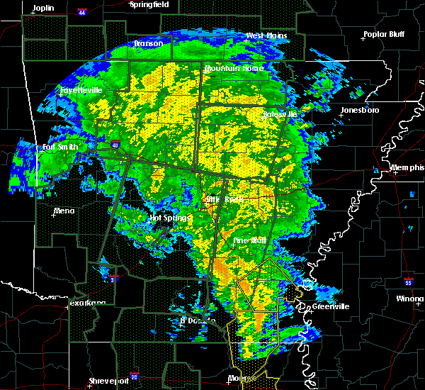 Radar Image for Severe Thunderstorms near Monticello, AR at 12/28/2015 2:30 AM CST