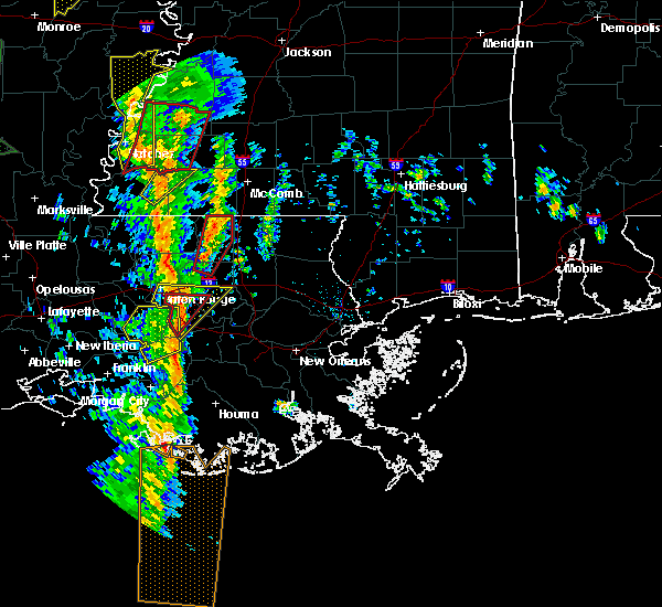 Radar Image for Severe Thunderstorms near Baton Rouge, LA at 12/28/2015 2:34 AM CST