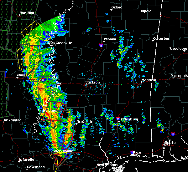 Radar Image for Severe Thunderstorms near Roxie, MS at 12/28/2015 2:38 AM CST