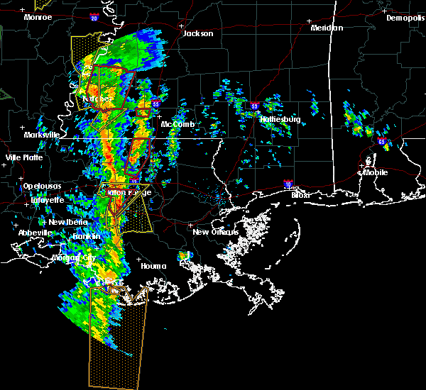 Radar Image for Severe Thunderstorms near South Vacherie, LA at 12/28/2015 2:40 AM CST