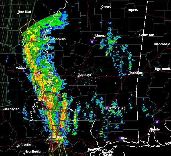 Radar Image for Severe Thunderstorms near Bonita, LA at 12/28/2015 2:43 AM CST