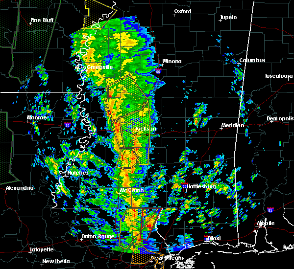 Radar Image for Severe Thunderstorms near Raymond, MS at 12/28/2015 4:18 AM CST
