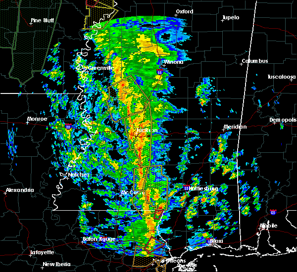 Radar Image for Severe Thunderstorms near Eden, MS at 12/28/2015 4:50 AM CST