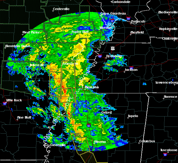 Radar Image for Severe Thunderstorms near West Memphis, AR at 12/28/2015 5:45 AM CST