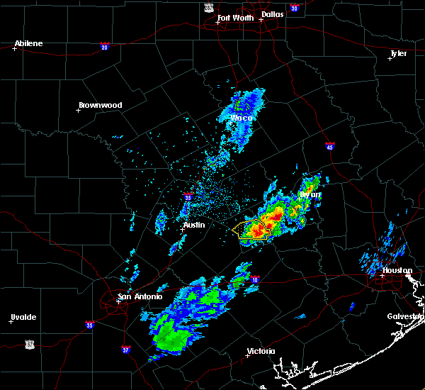 Radar Image for Severe Thunderstorms near Giddings, TX at 1/9/2016 12:42 AM CST