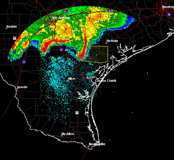 Radar Image for Severe Thunderstorms near Goliad, TX at 2/23/2016 2:32 AM CST