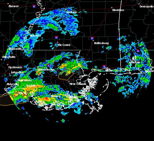 Radar Image for Severe Thunderstorms near Baton Rouge, LA at 2/23/2016 11:49 AM CST