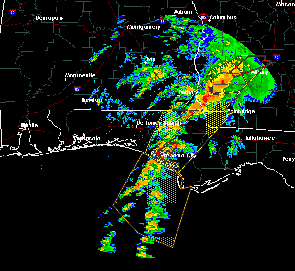 Radar Image for Severe Thunderstorms near Lynn Haven, FL at 2/23/2016 11:57 PM CST