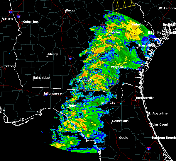 Radar Image for Severe Thunderstorms near Baxley, GA at 2/24/2016 5:50 AM EST
