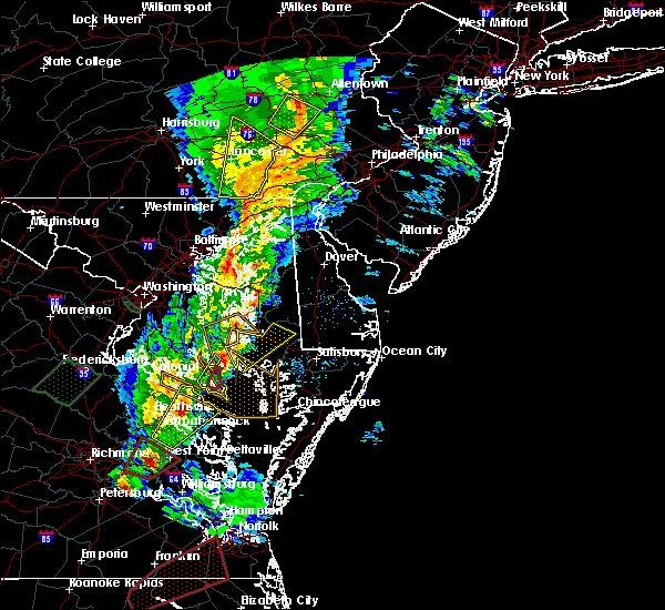 Radar Image for Severe Thunderstorms near Chesapeake Ranch Estates, MD at 2/24/2016 8:07 PM EST