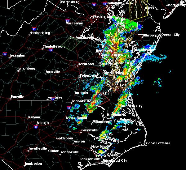 Radar Image for Severe Thunderstorms near Heathsville, VA at 2/24/2016 8:58 PM EST