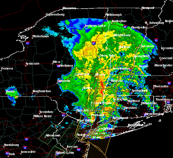 Radar Image for Severe Thunderstorms near Chatham, NY at 2/25/2016 12:03 AM EST