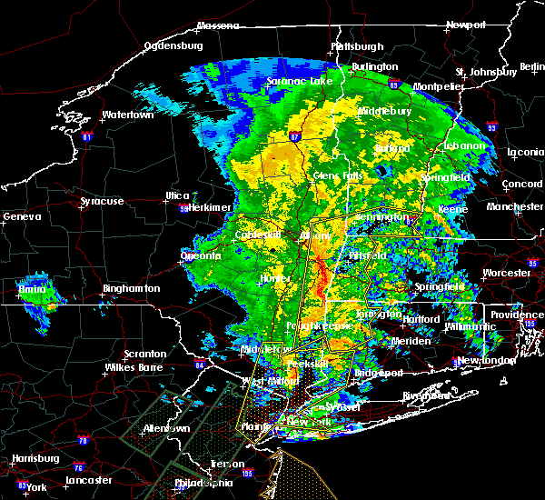 Radar Image for Severe Thunderstorms near Falls Village, CT at 2/25/2016 12:03 AM EST