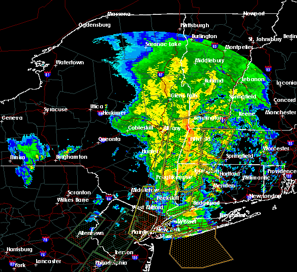 Radar Image for Severe Thunderstorms near Holyoke, MA at 2/25/2016 12:24 AM EST