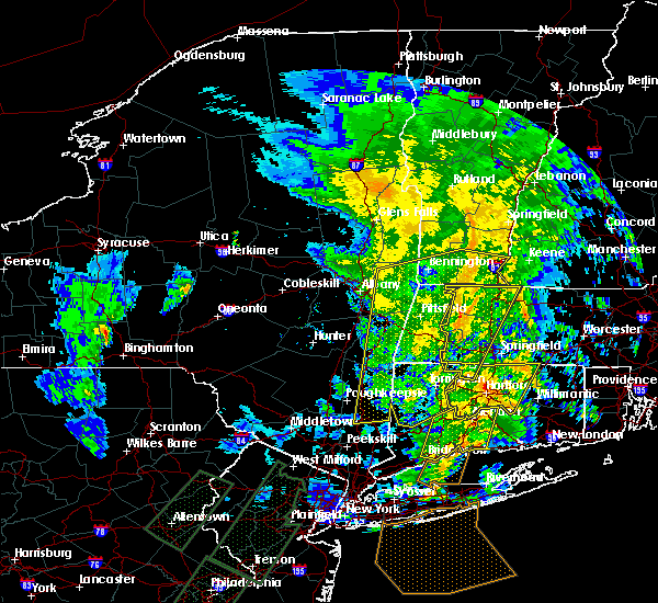 Radar Image for Severe Thunderstorms near Holyoke, MA at 2/25/2016 12:59 AM EST